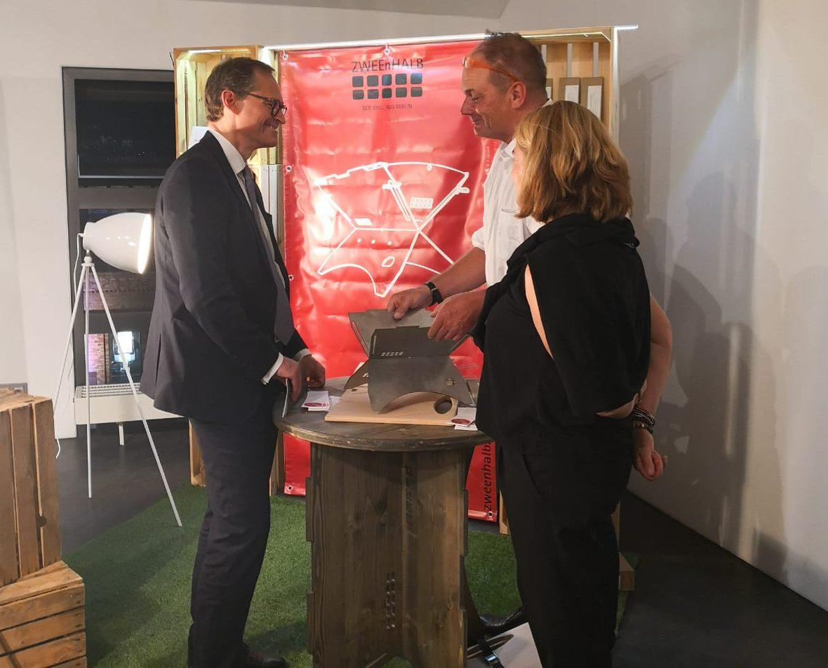 Bürgermeister Michael Müller bei ZWEEnHALB